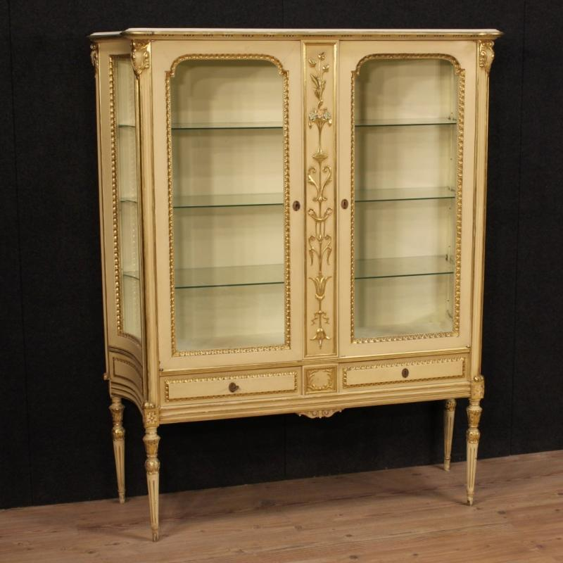 20th Century Italian Lacquered And Gilt Showcase
