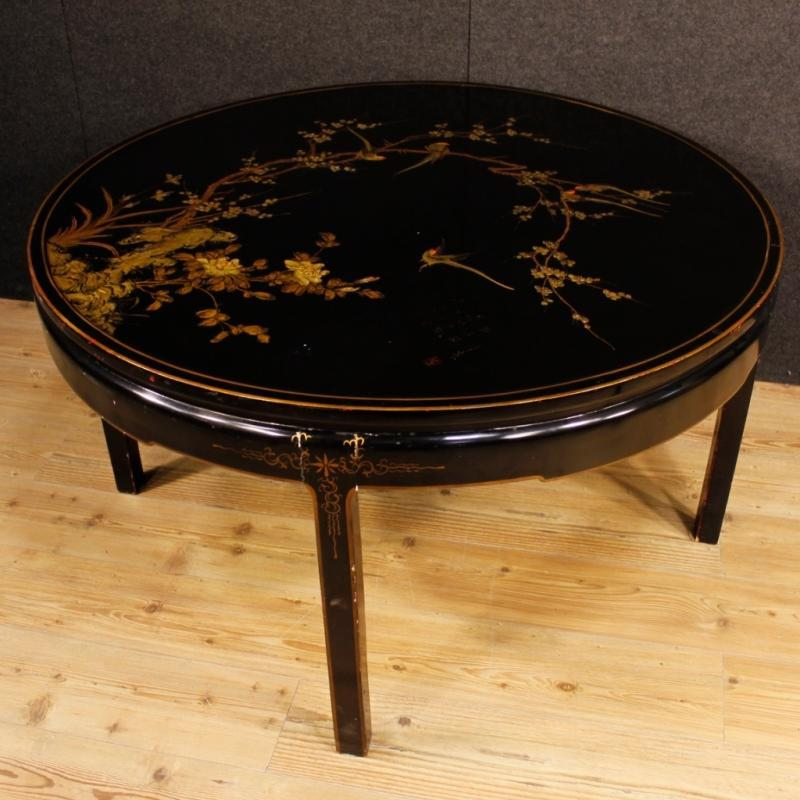 French Center Table In Lacquered and Painted Chinoiserie Wood 20th Century