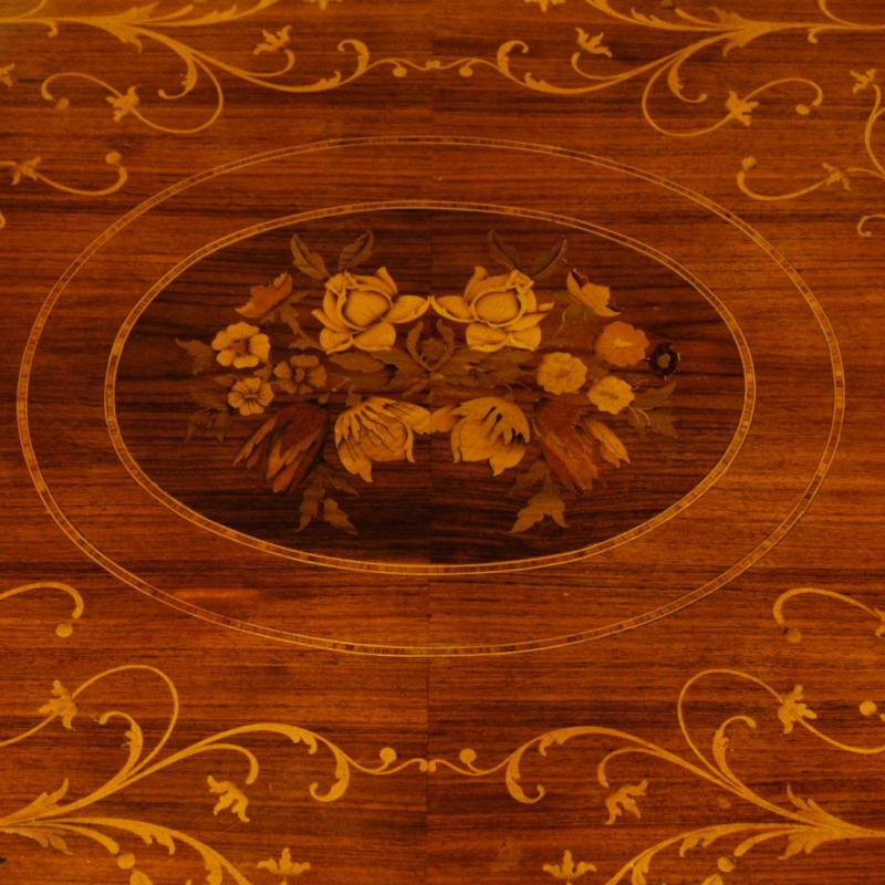 Italian Inlaid Dining Table In Rosewood, Walnut, Maple, Mahogany, Fruitwood in Louis XVI Style 20th Century