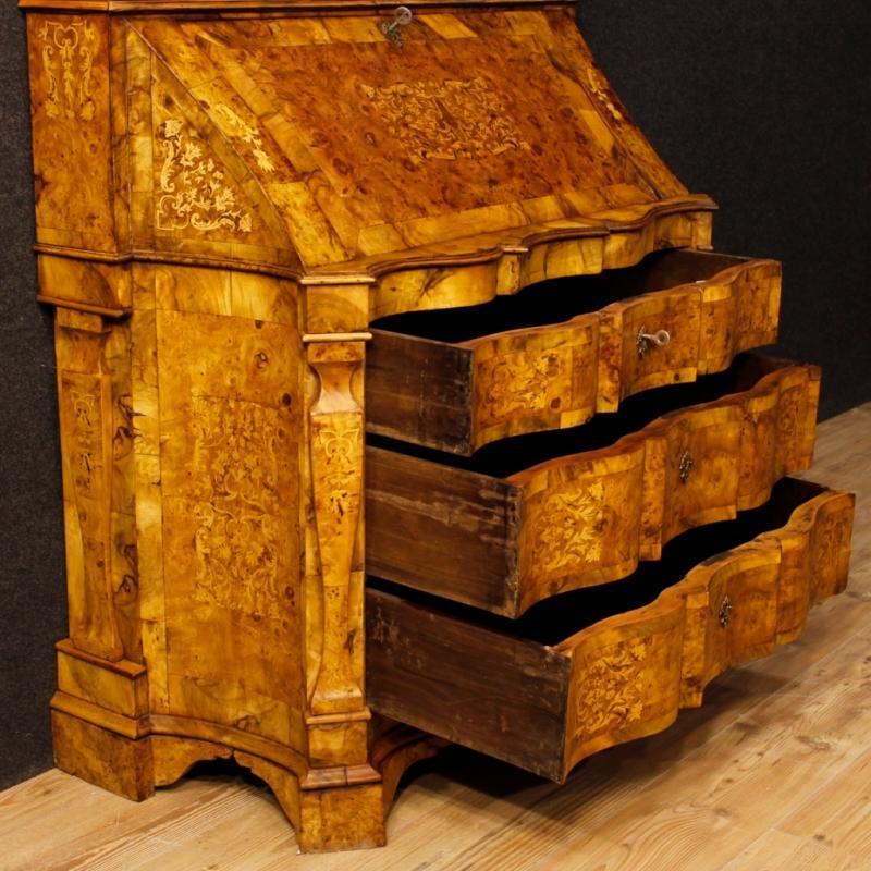Italian Inlaid Trumeau In Walnut, Burl, Maple Wood From 20th Century