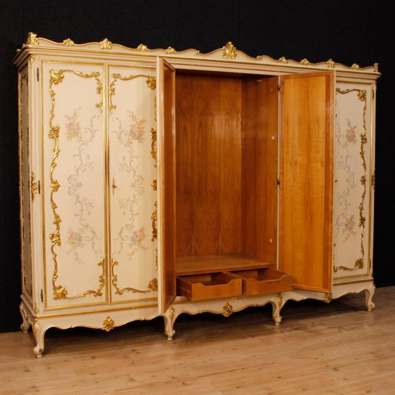 Italian Wardrobe In Lacquered, Gilt And Painted Wood With 6 Doors From 20th Century
