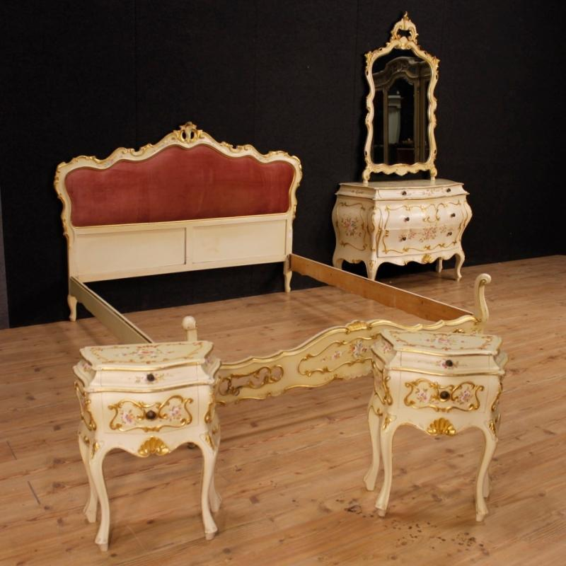 Venetian Dresser In Lacquered, Painted, Gilt Wood With 4 Drawers from 20th Century