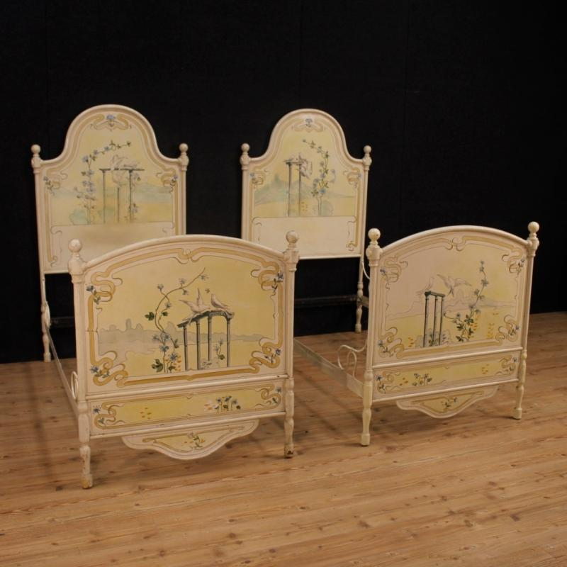 Pair Of Italian Beds In Lacquered And Painted Iron From 20th Century
