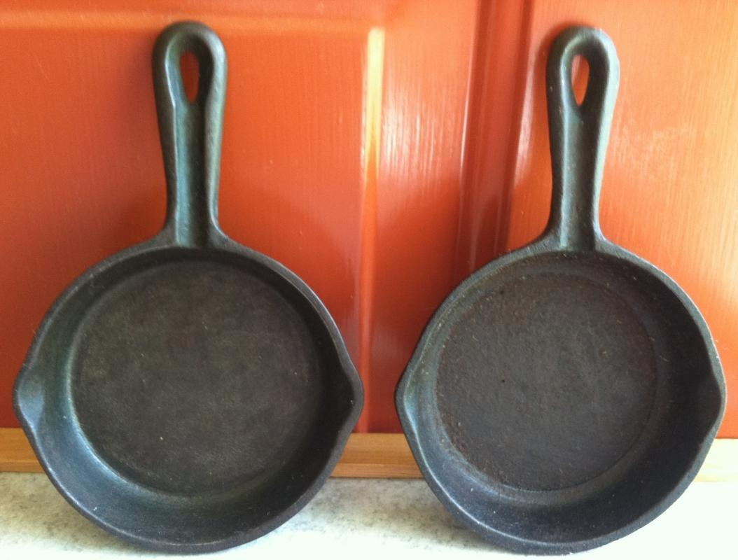 2 Vintage Miniature Cast Iron Fry Pan Ashtrays ~