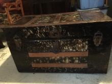 Antique 1800s steamer trunk