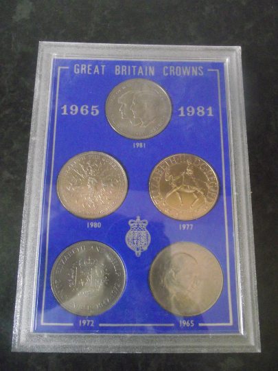 Collection of British Crowns 1965 - 1981 in collectors cas