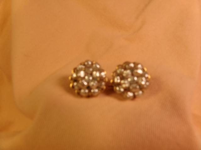 Mariam Haskell Pearl earrings