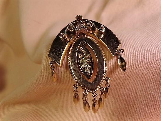 Victorian 9kt. Gold Brooch Pin
