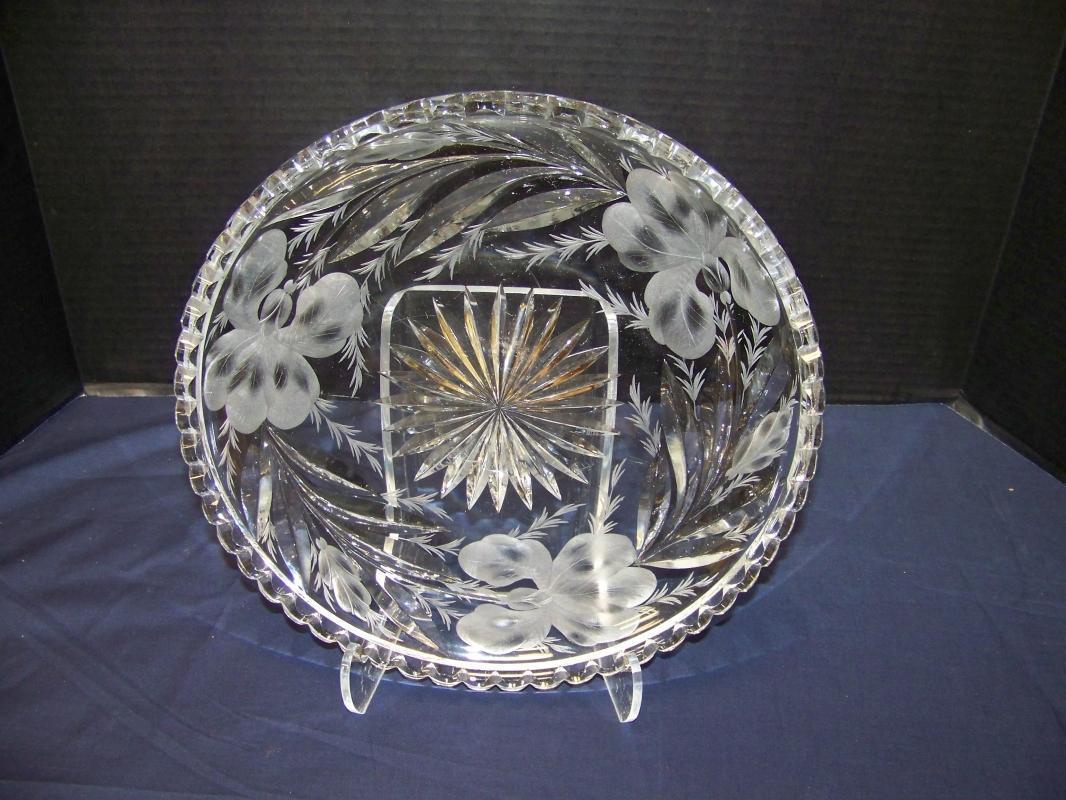 Clear Cut IRIS Glass Tray