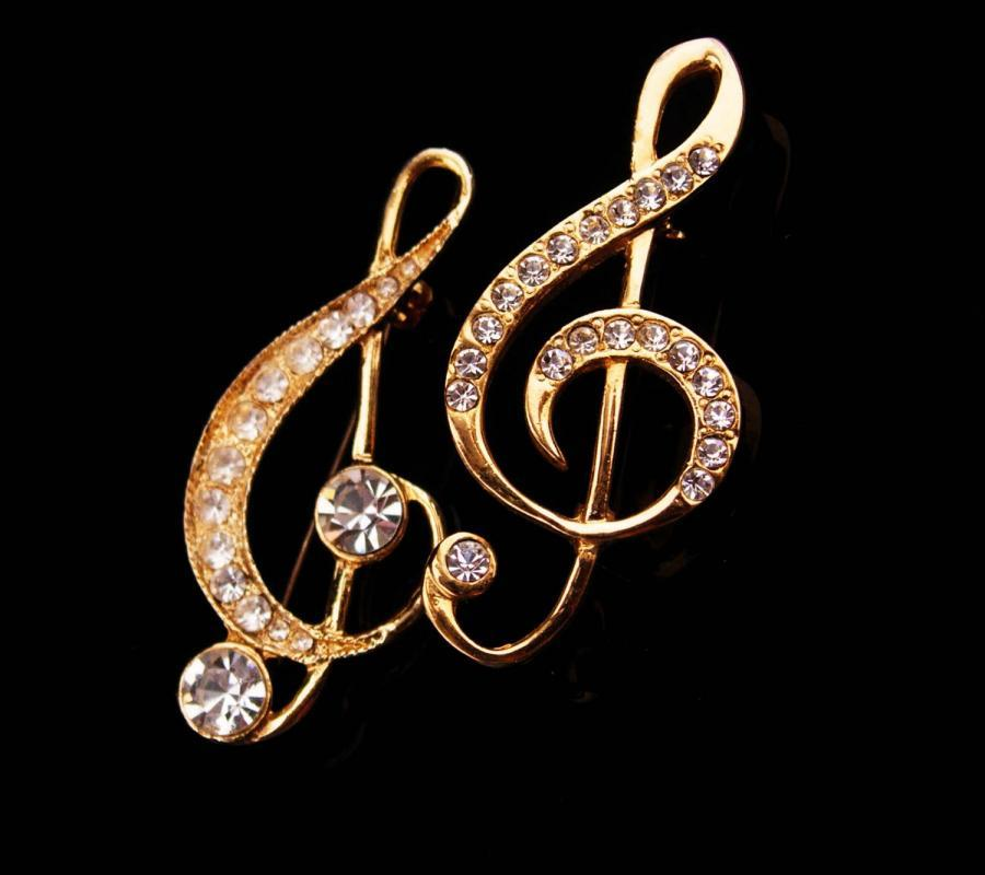 2 Music notes Brooch / vintage pair pins / music teacher gift / Piano MUSICIAN / music instructor / teacher pin / gold pin/ music lover