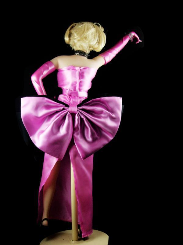 Marilyn Monroe doll pink dress 18