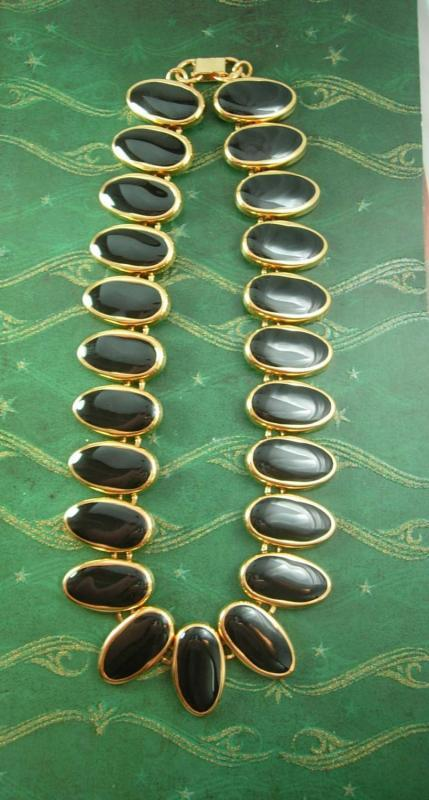 Dramatic Designer Necklace Vintage black necklace statement necklace Cabochon 20 Inch high quality ladies jewelry