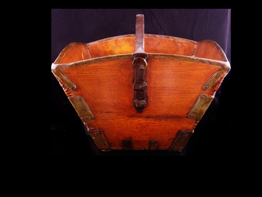 Primitive basket / chinese rice basket / wooden handle / wedding basket / asian rice bucket / handmade basket / rice collector / wood basket