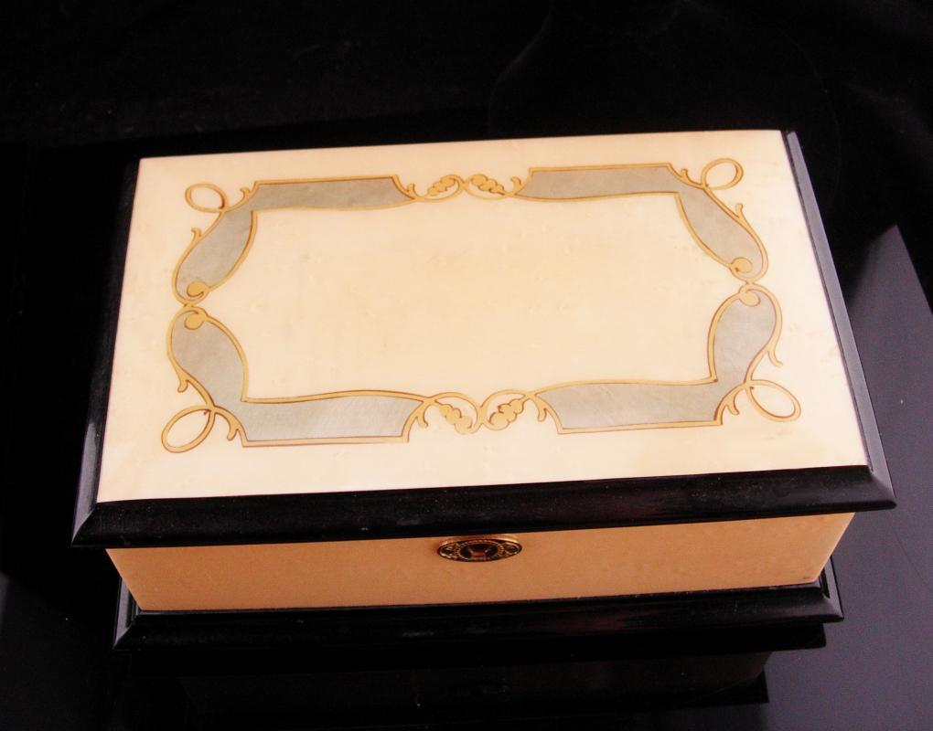 San Francisco Music Box Sorrento Italy / Edelweiss/  Donato Maresca / vintage Marquetry wood / anniversary gift / original key jewelry box