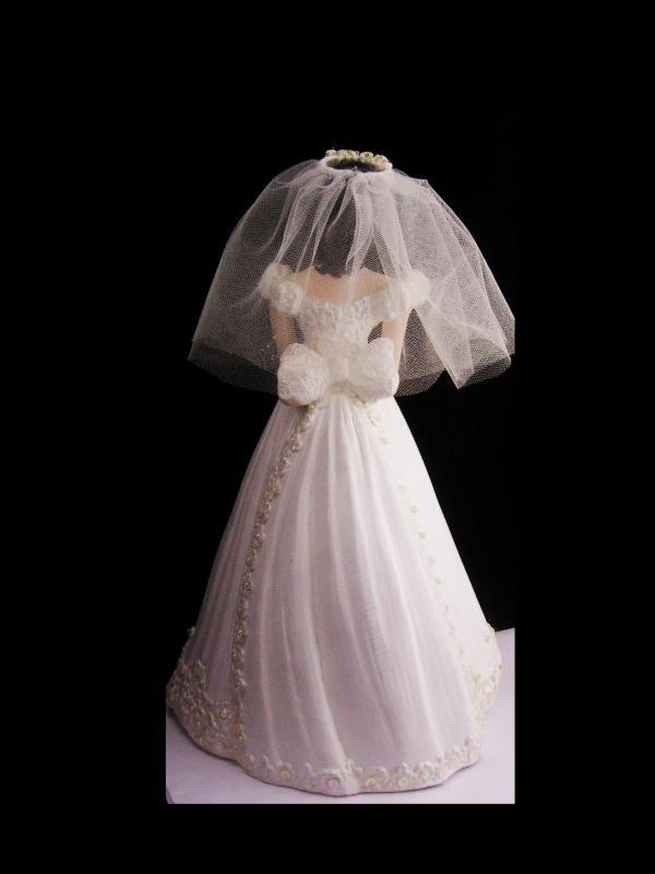 Vintage Bride Centerpiece / Ceramic Bride Doll / wedding tabletop / bridal bouquet / Bride figurine / bridal veil / cake topper
