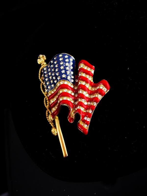 FABULOUS Vintage Flag Brooch / Rhinestone Eagle / Patriotic jewelry / signed pin  / Flag lapel pin / red White Blue jewelry political brooch