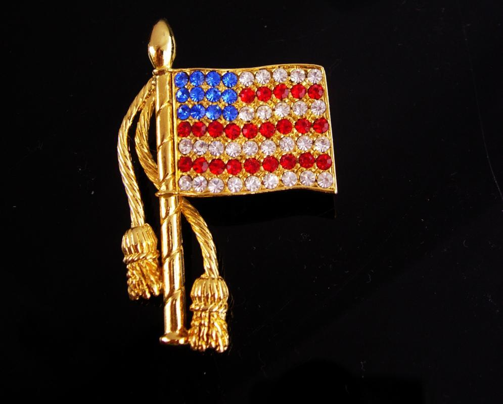 Rhinestone Flag brooch / Patriotic jewelry / USA red white Blue / Vintage pin / Gold mens lapel pin / Military Veteran gift