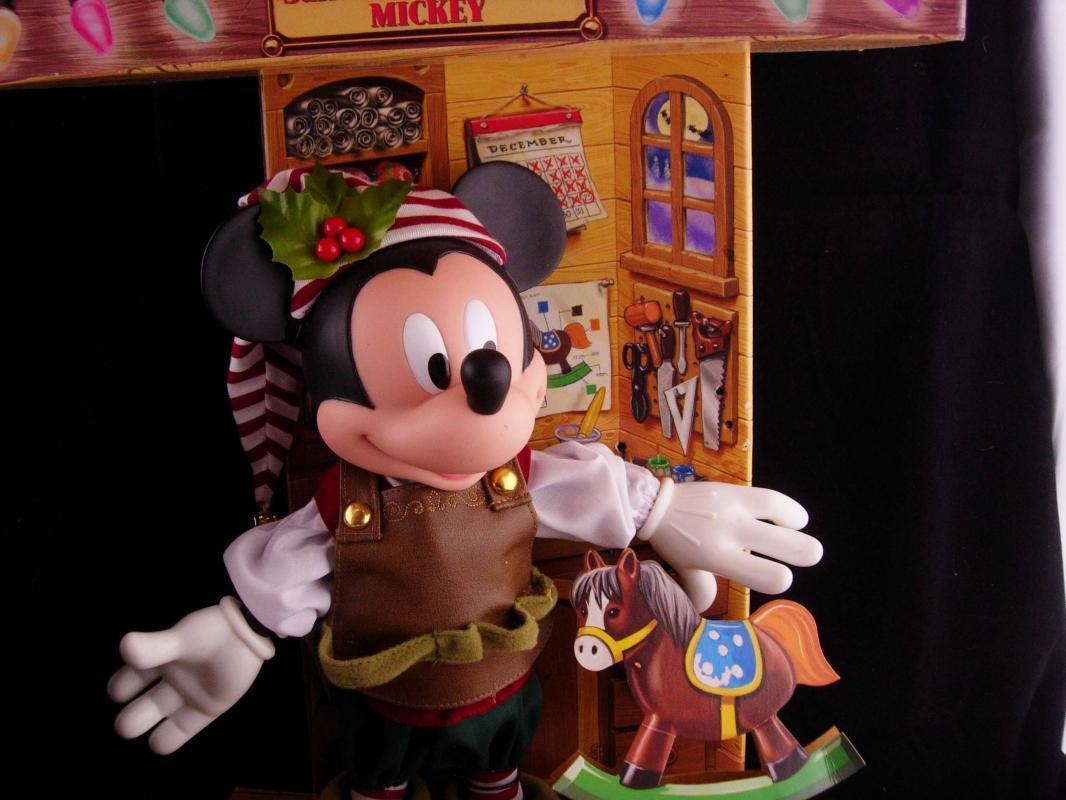 Vintage Mickey mouse / Santas helper / Original box / age 4 and up