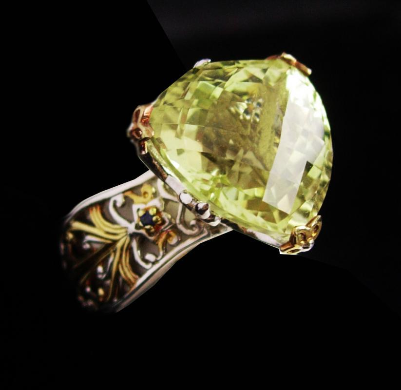 HUGE 4CT peridot ring / Cushion cut Cocktail Ring / Vintage Sapphire Sterling ring / Size 7 1/2 / 1st anniversary / August /virgo birthday