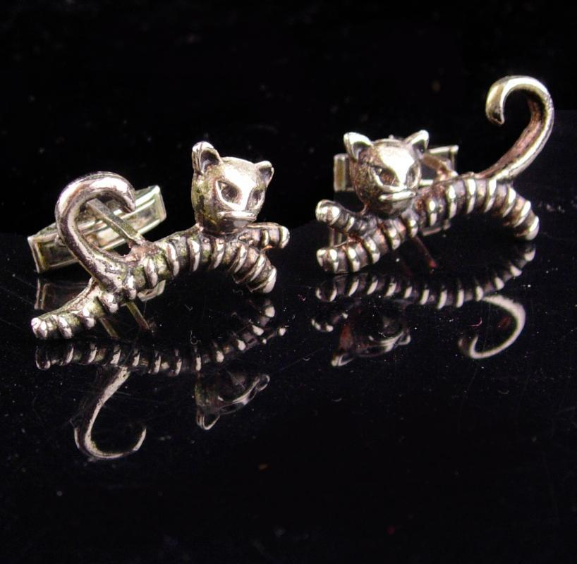 vintage Black cat cufflinks  / Halloween cat set / Vintage silver witch accessory / novelty set / burlesque groom gift