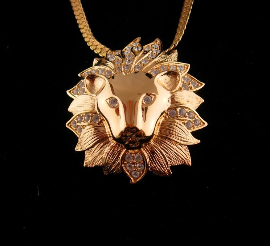 LEO lion Necklace / Vintage 30
