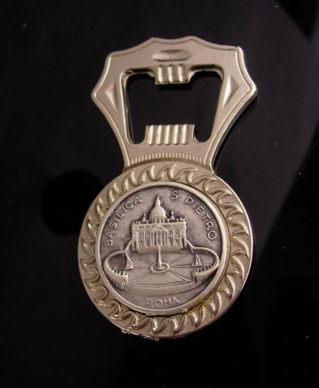 Pope Francis bottle opener - basilica coin - Vintage - Religious Medal- catholic Roma Italy - Franciscus PP - Basilica st peitro