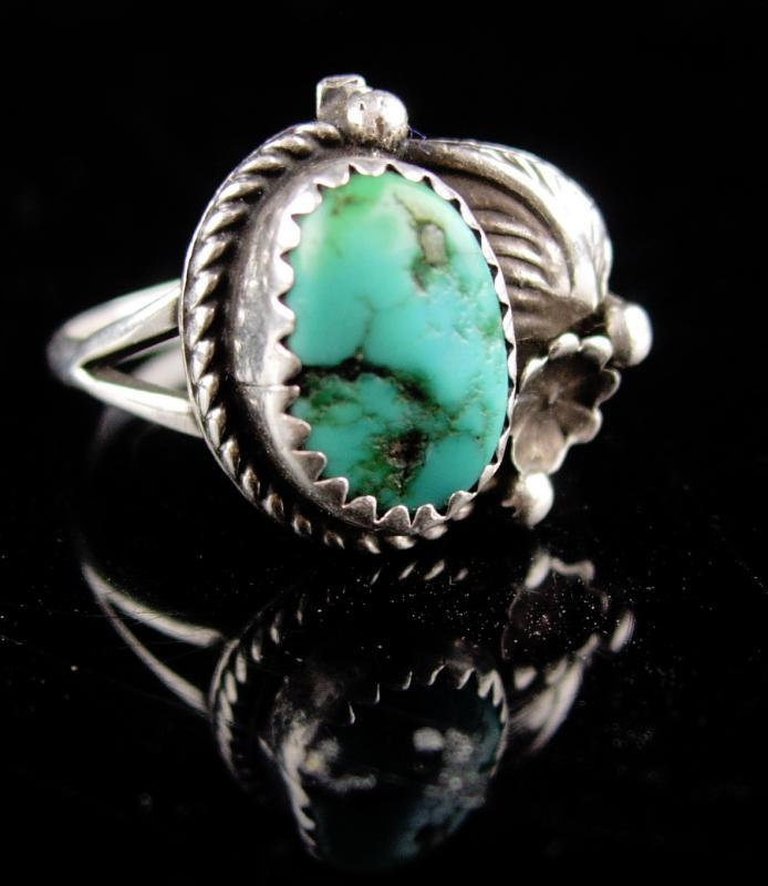 Vintage sterling Indian Ring - Turquoise jewelry - size 8 -Native American design - southwestern jewelry - dogwood flower - hippie ring