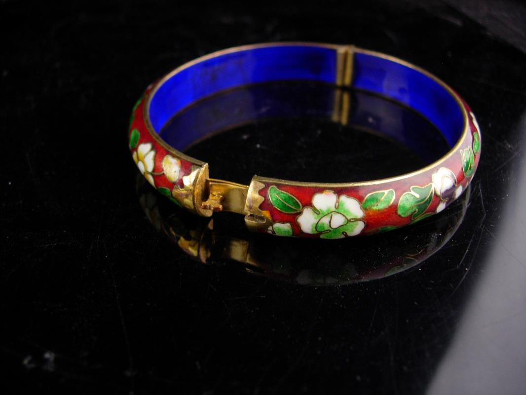 Oriental hinged bracelet - Good luck chinese gift - vintage Asian bangle - ladies red estate jewelry - cobalt blue - wedding gift
