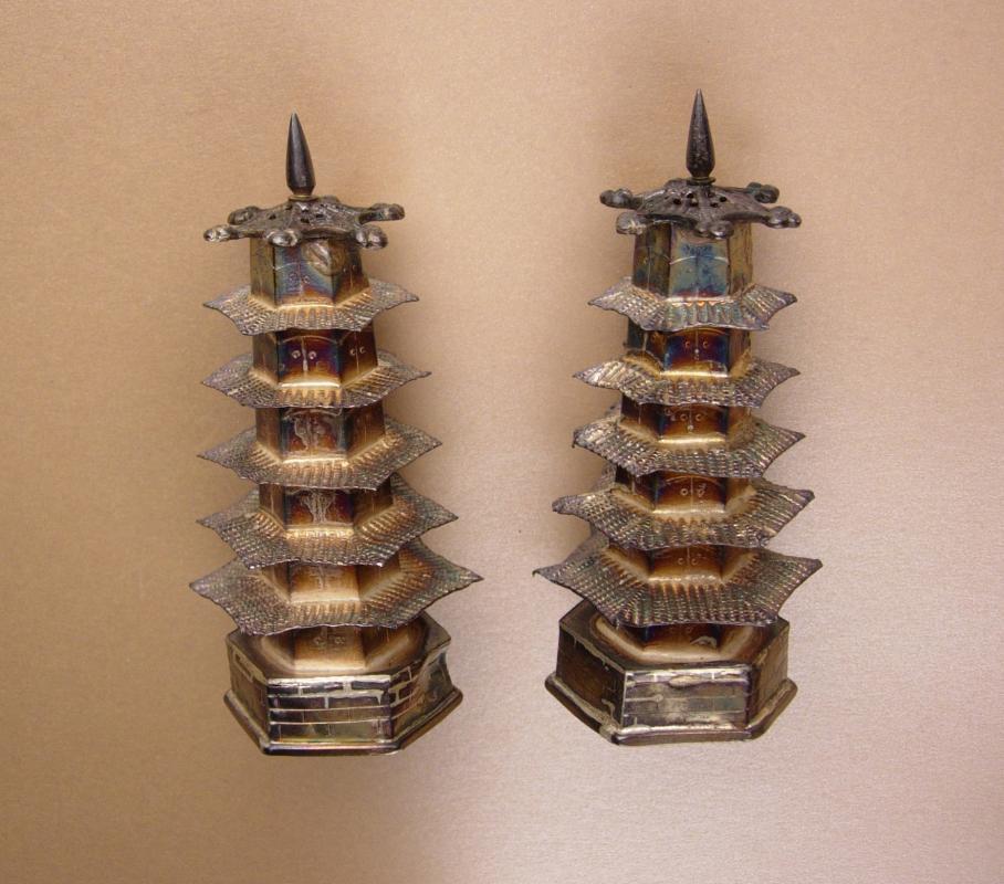 Vintage sterling Salt & Pepper shaker set - Pagoda set - 950 chinese silver - Oriental Asian design - wedding gift collector gift