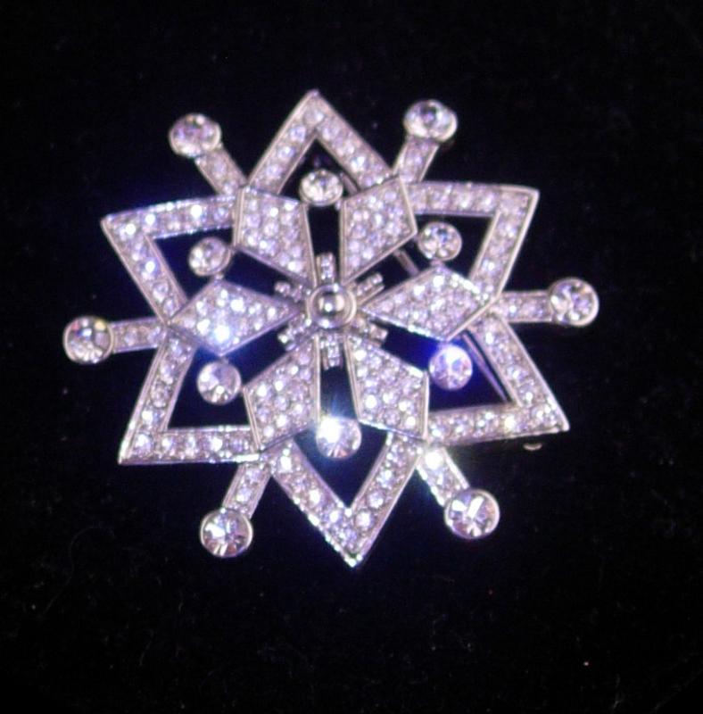 100 rhinestone pin -  Starburst Rhinestone brooch - large Vintage pin - rhinestone star brooch - mystical jewelry - silver costume jewelry