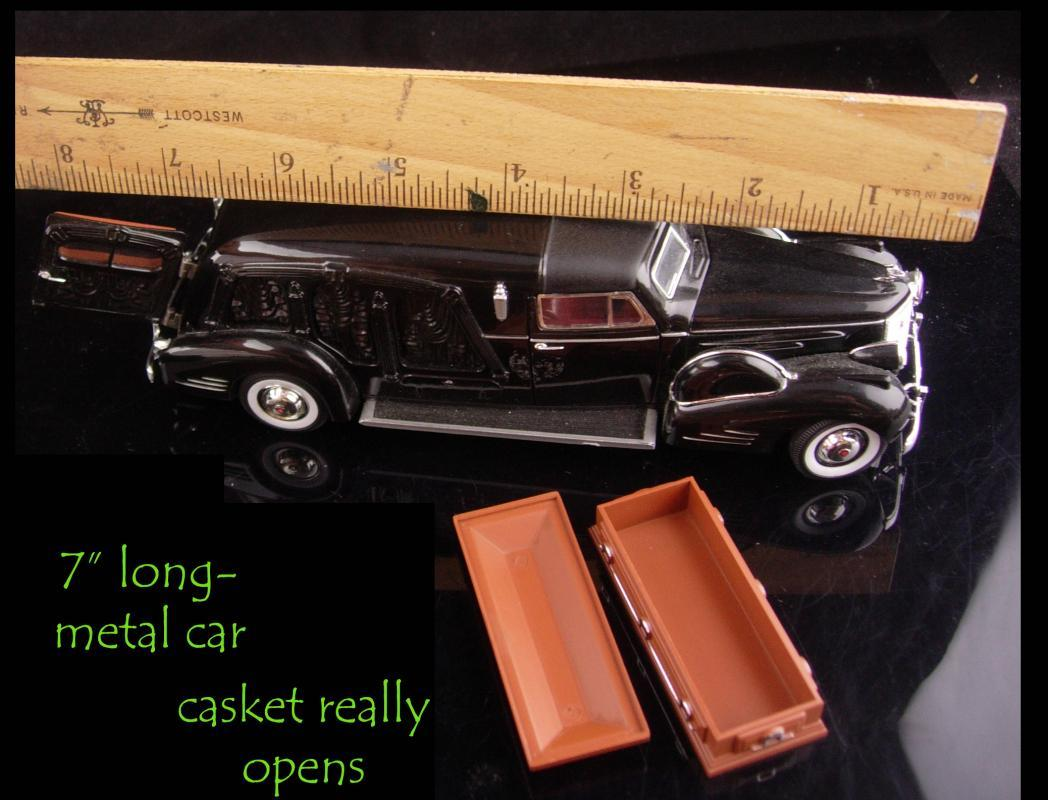 Vintage Hearse with coffin - Miniature 7