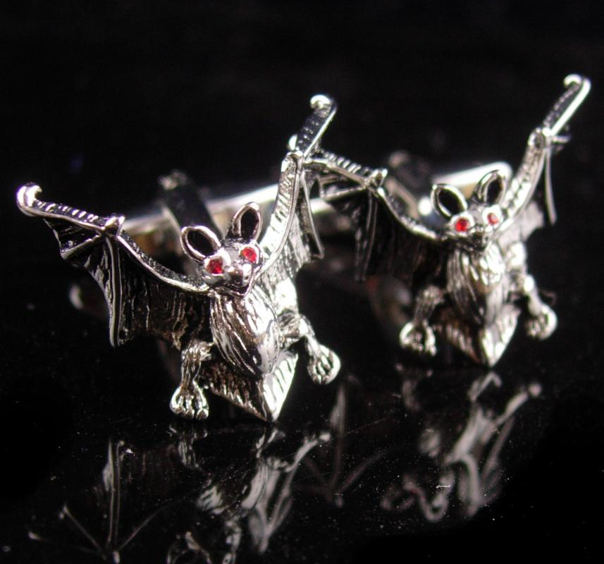 Spooky Bat Cufflinks - Vintage Figural set- Silver Red eye vampire - Gothic Clothing Accessories - cool mens gift - Halloween bat set