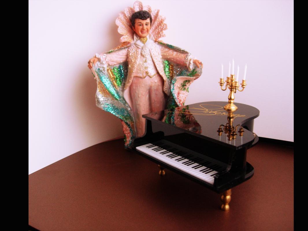 Vintage Liberace figurine - music box - Aldon figurine - candelabra - Grand Piano music box - Mr showmanship - Ltd Edition 1988 gay interest