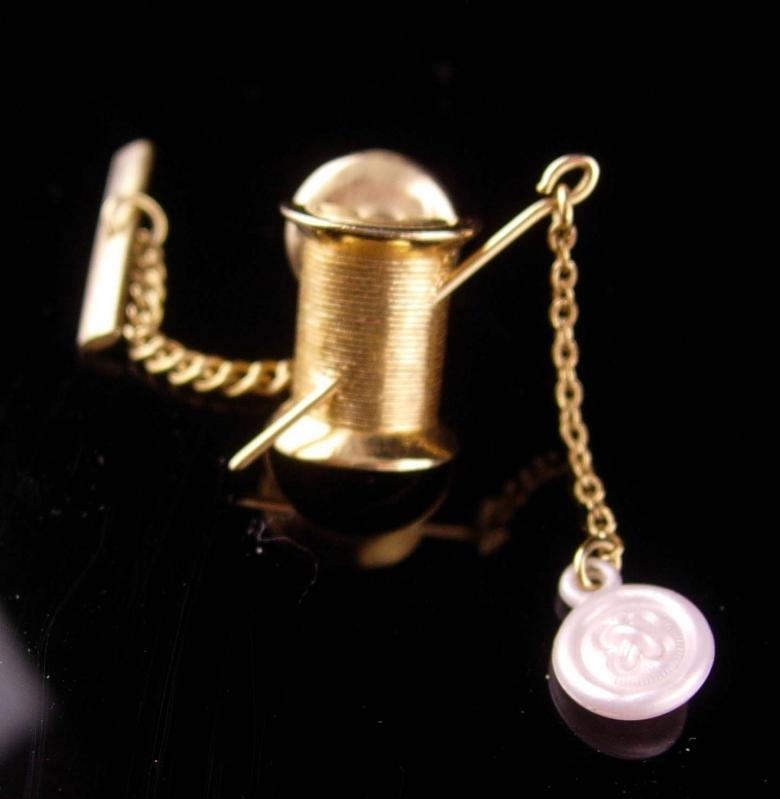 Needle thread Tie tack  - Vintage Tailor gift - Seamstress Crafter Quilter -  Clothing designer salesman  miniature thread