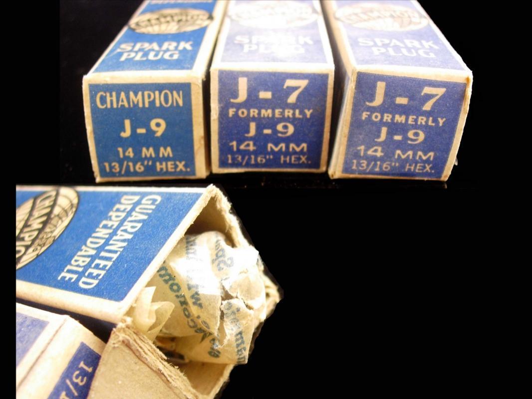 Original box with Vintage CHAMPION J-9 14MM Spark plugs - set of three - original paper work - Mechanic Auto Repair