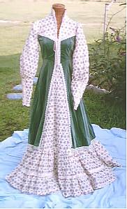 Clothing/C.1970's GunneSax Cream&Green Velvet