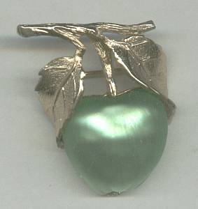 Brooch/Designer/Napier Green Apple