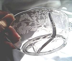 Glass/Sm. Etched Divided Bowl/Clear