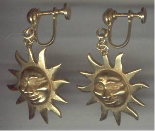 Earrings/Designer/ALVA STUDIOS/Screwbacks/W/Dangleing Smiling Sun Faces