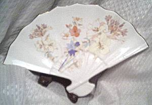 Porcelain/Fan Shaped Vanity Dish/Tray