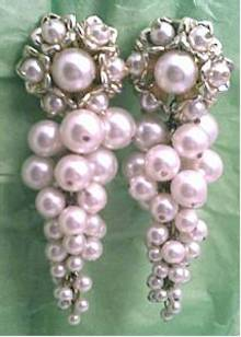Earrings/Clip Ons/Contemporary/Large-Oversized/Faux Pearl Shoulder Dusters