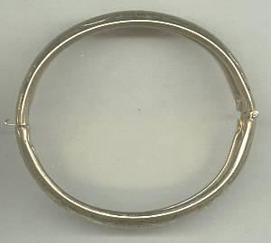 Bracelet/Bangle/Hinged Goldtone Etched