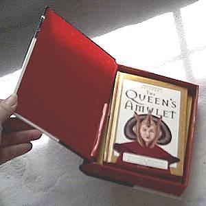 STar Wars/Episode 1/The Queens Amulet