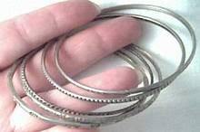 Bracelet/5 Thin Metal Bangles