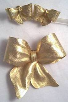 Set(s)/Unsigned Designer GT Bow Brooch&Ear