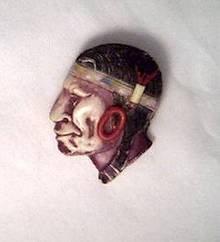 Brooch/Molded Plastic Indian Brave Profile