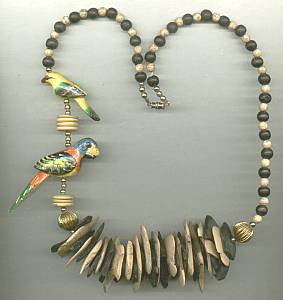 Necklace/Island Style Dyed Wood Beads W/Parrots