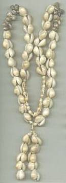 Necklace/Tourist Type Shell Necklace W/Shell Tassle