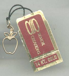 Charm(s)14 KT Semor Creations Apple
