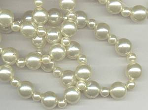 Necklace/1970's Retro Faux/Simulated Pale Yellow Pearls